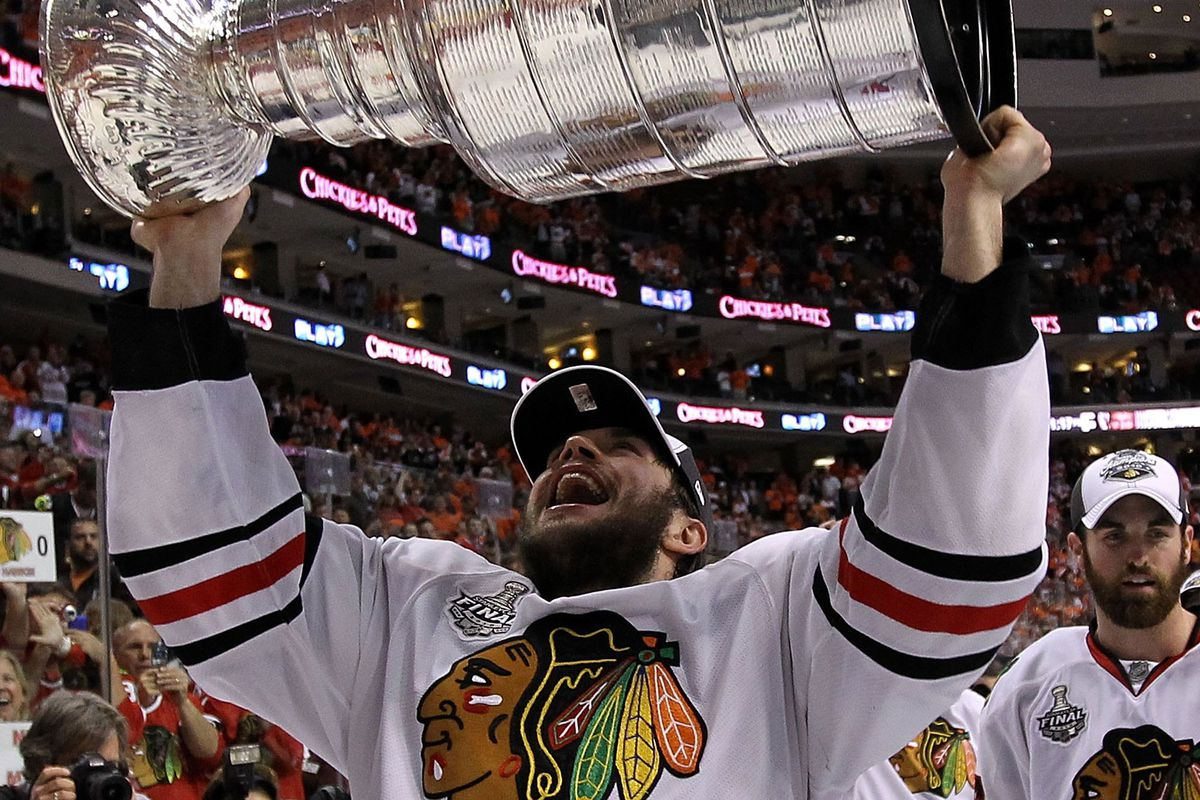 Chicago Blackhawks to honor Dave Bolland with 'One More Shift'