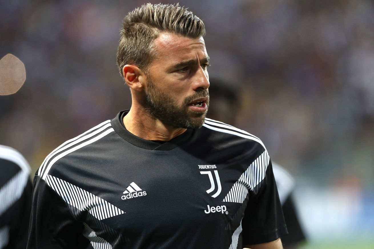 Report: Andrea Barzagli to miss up to two months with thigh injury