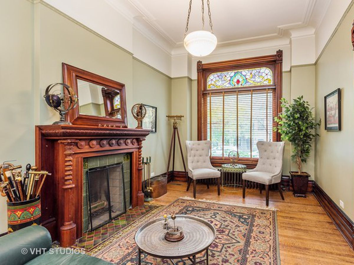 historic hyde park rowhouse near u of c lists for 1 79m curbed
