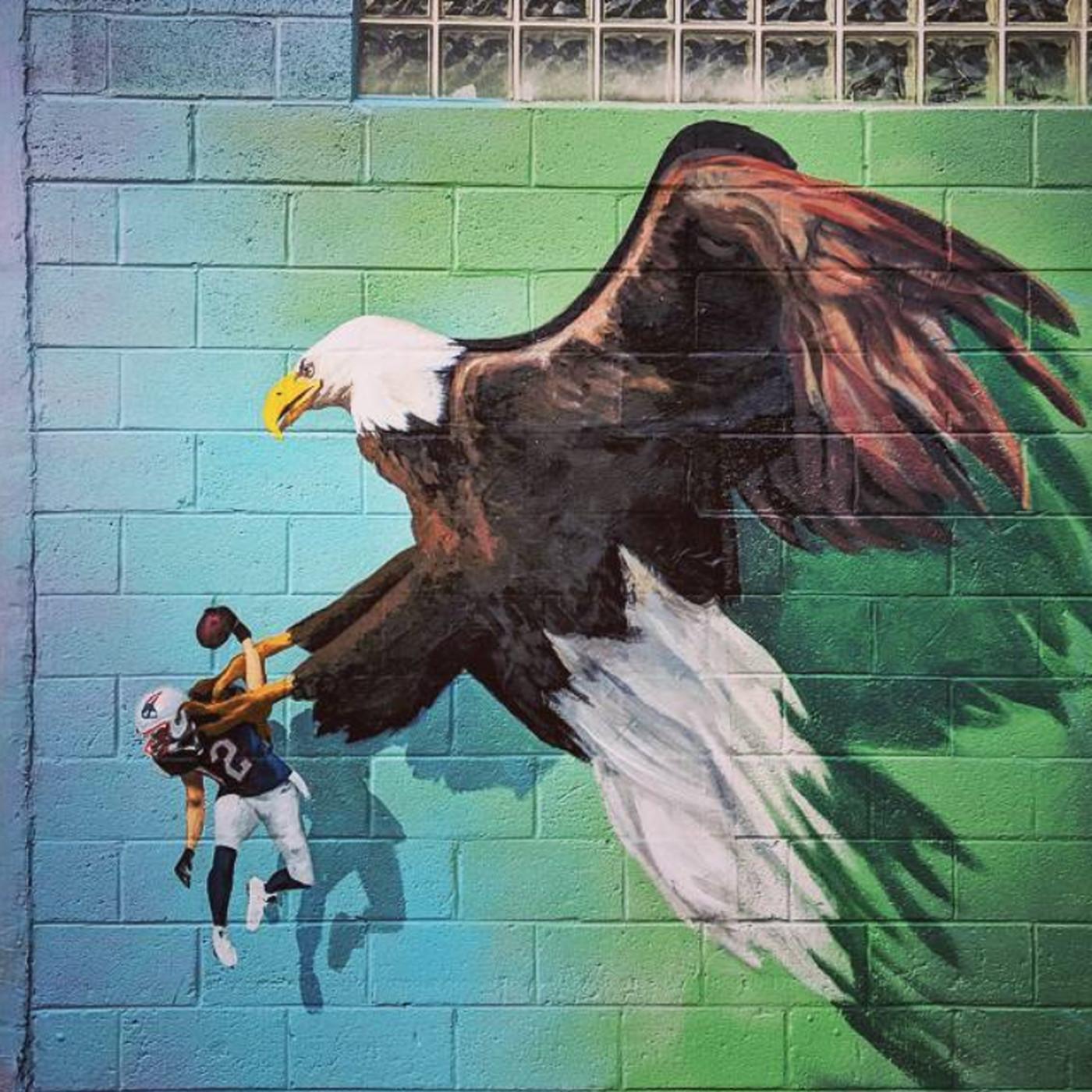 Philly mural of an eagle clipping tom brady wants to become philly mural of an eagle clipping tom brady wants to become permanent curbed philly rubansaba