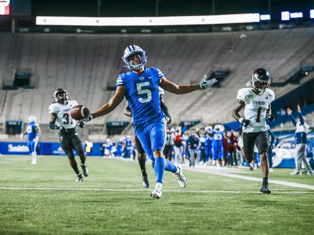 BYU unleashes its passing game, trounces Troy, 48-7