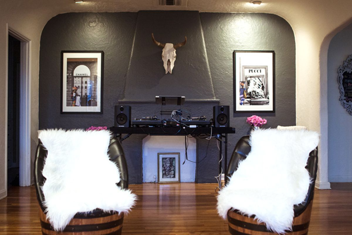 """Image via <a href=""""http://songofstyle.blogspot.com/2012/12/welcome-to-my-house-party-party.html"""">Song of Style</a><span></span>"""