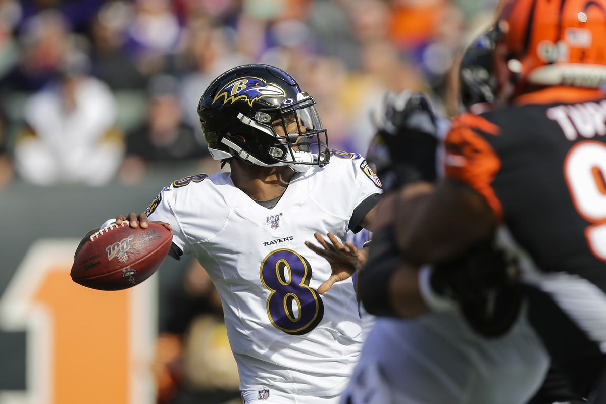 Lamar Jackson of the Baltimore Ravens looks to pass against the Cincinnati Bengals during the first quarter of the game at Paul Brown Stadium on November 10, 2019 in Cincinnati, Ohio.
