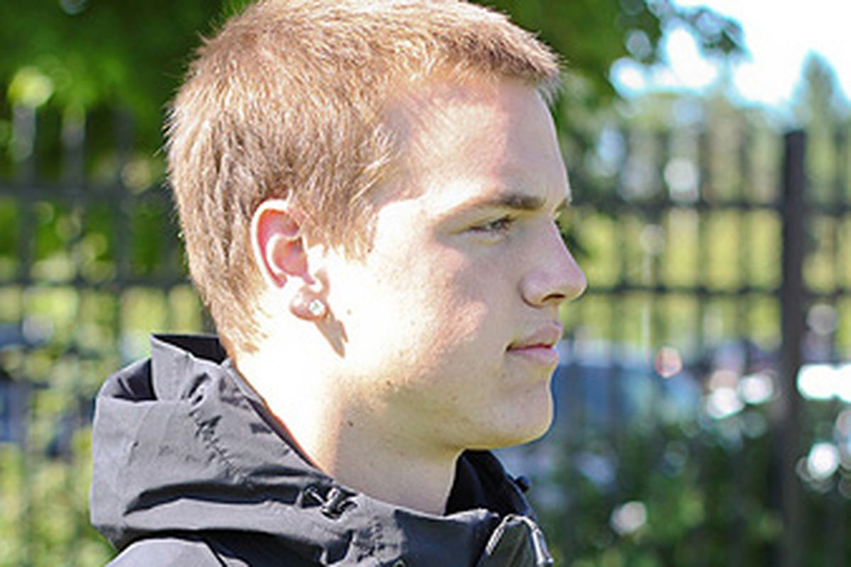 Tight End Caleb Smith from Kentridge High in Washington, shown above visiting the Prothro Practice Facility, has committed to Oregon St. for the 2012 signing class. <em>(Rivals photo)</em>