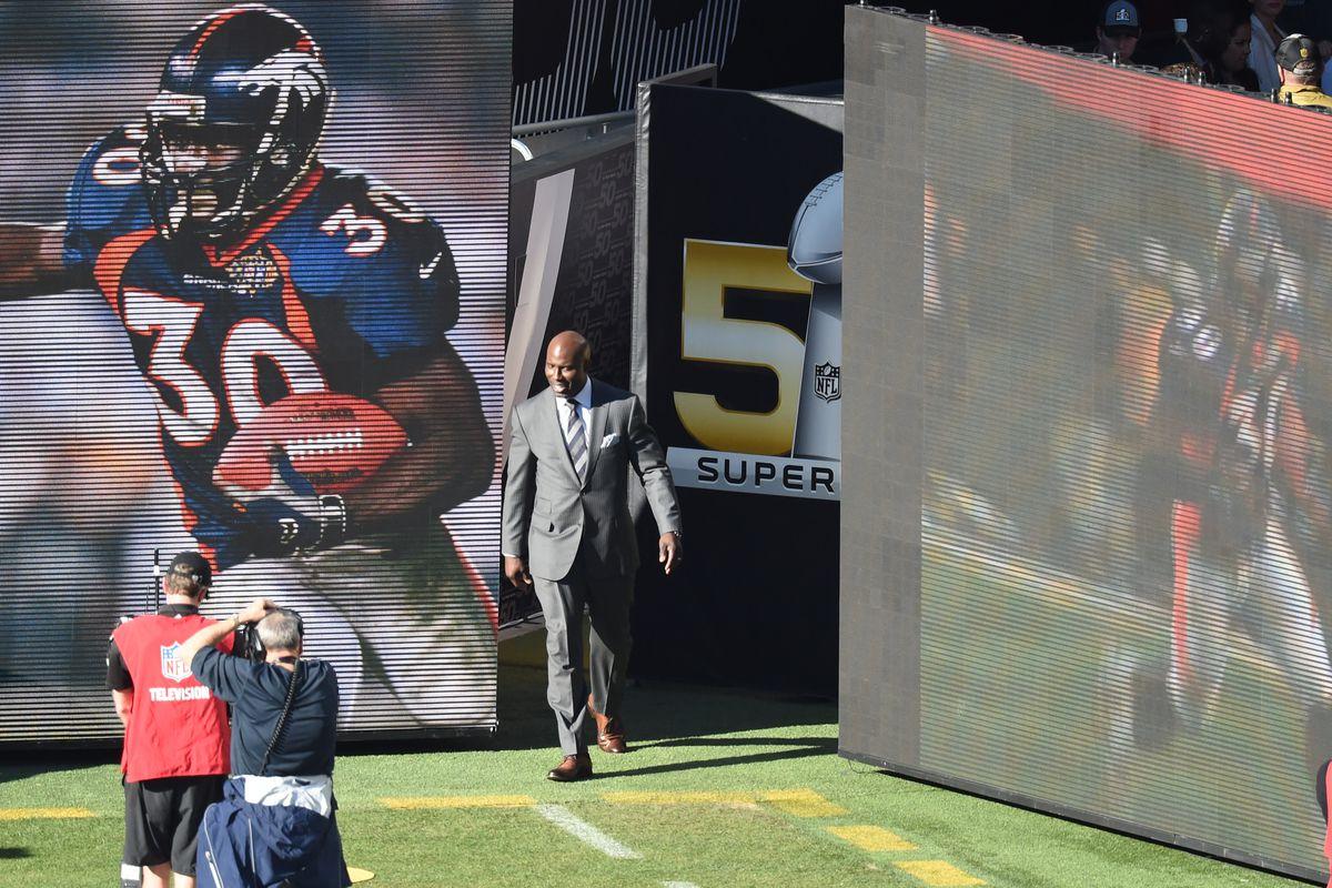 finest selection 93e5b 88a6e Reason #27: Terrell Davis and his 32 100-yard rushing games ...