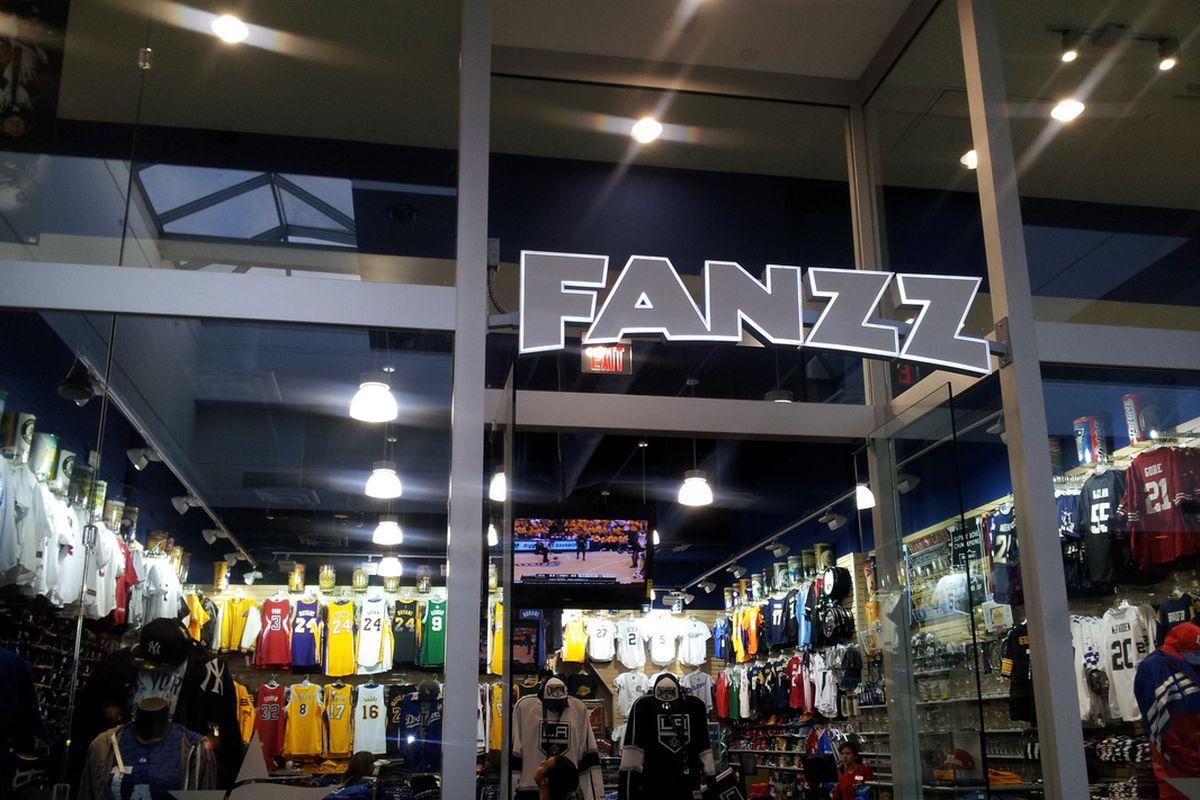 867865925 FANZZ Sports  An end of an era - SLC Dunk