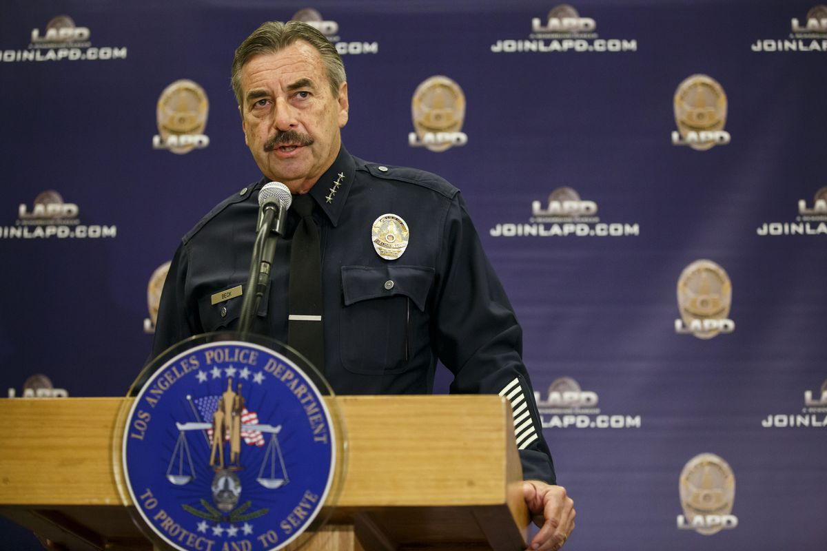 LA Police Chief Charlie Beck has said his force will not help the Trump administration deport undocumented immigrants. He's pictured here at a podium.
