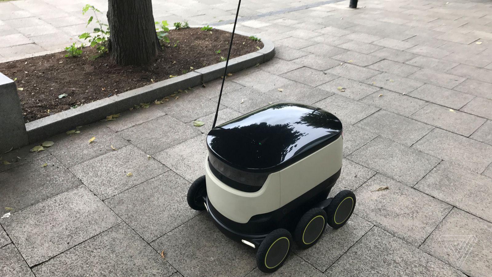 A Robot Delivered my Dinner