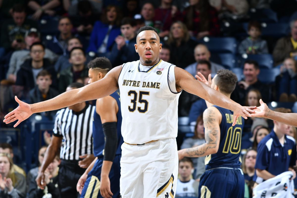 Notre Dame star Colson sidelined with foot fracture