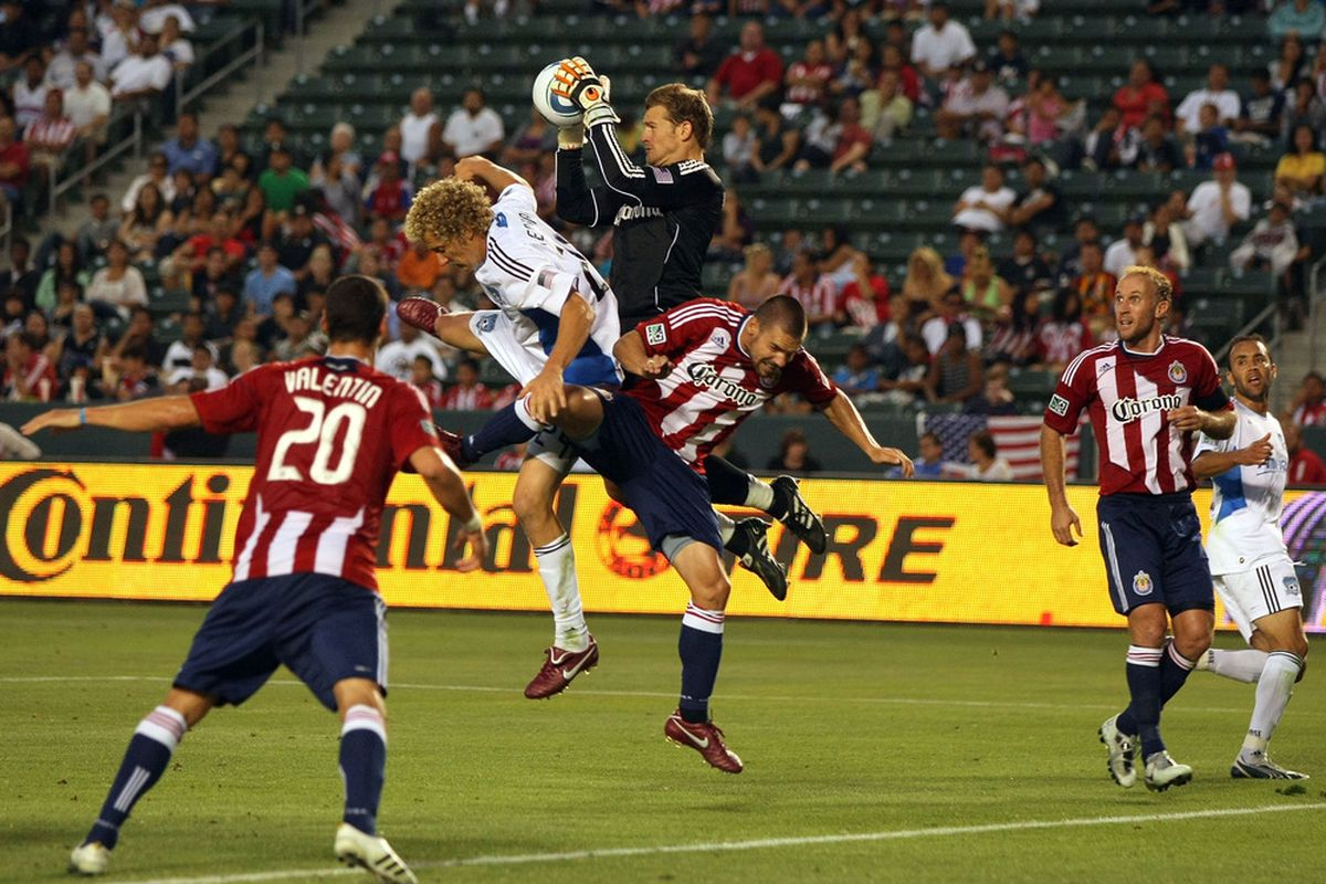 Dan Kennedy and the Chivas USA defense had little trouble holidng off the San Jose Earthquakes for a 2-0 victory at the Home Depot Center