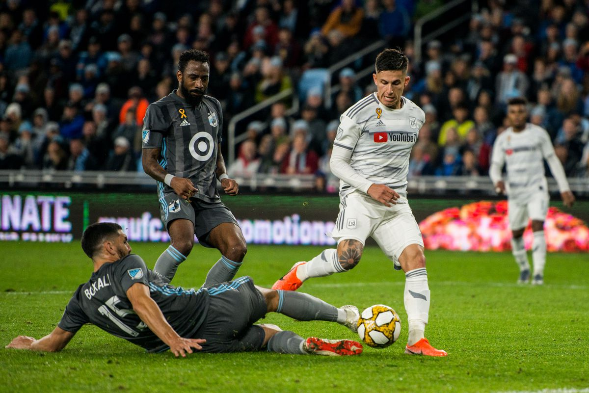 September 29, 2019 - Saint Paul, Minnesota, United States - Boxall tries to make a stop during an MLS match between Minnesota United and Los Angeles Football Club at Allianz Field (Photo: Tim C McLaughlin)