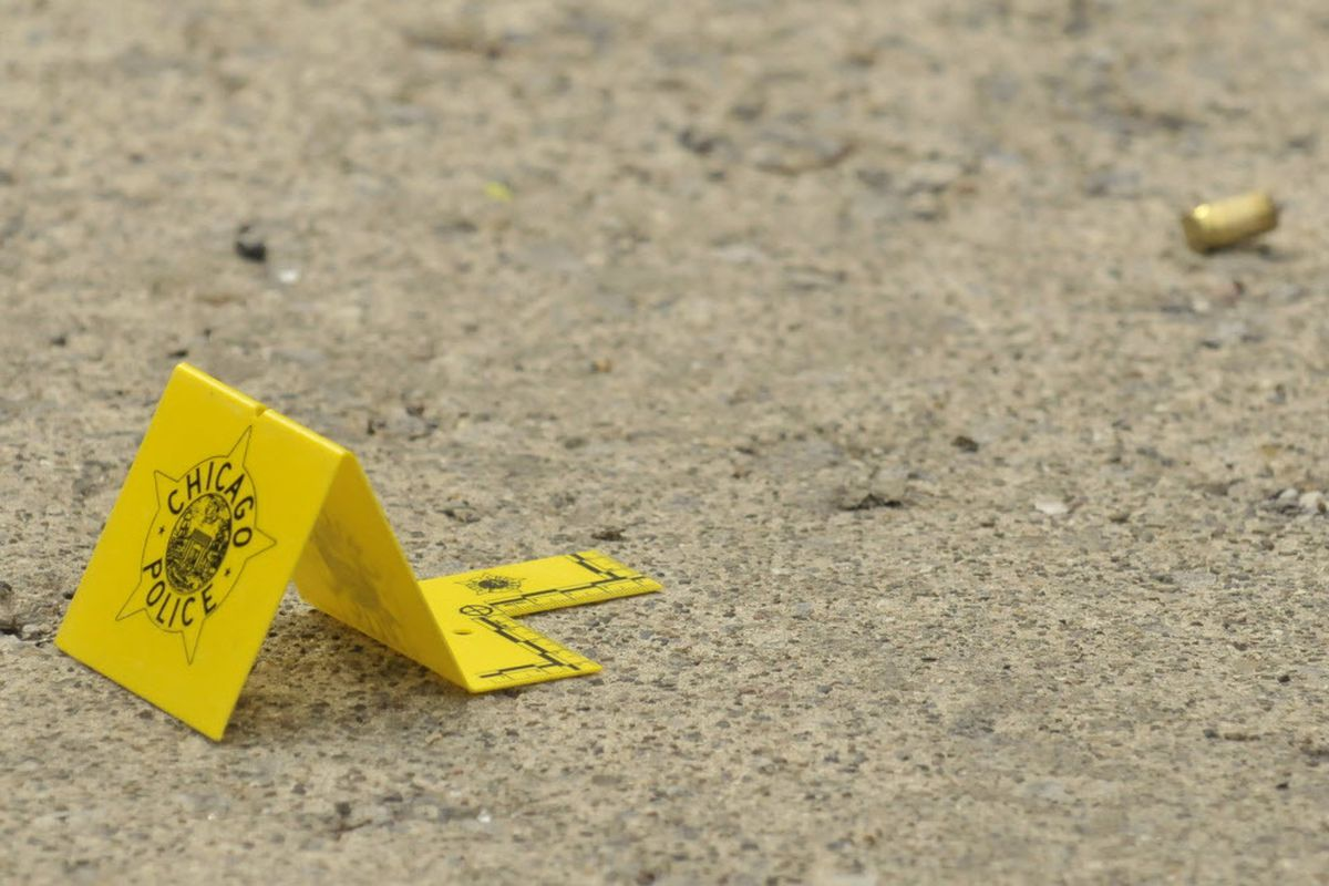 Man shot in Grand Crossing drive-by