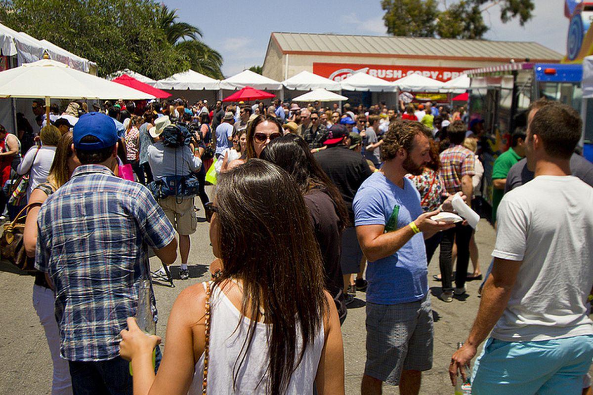 Crowds at Tacolandia 2013