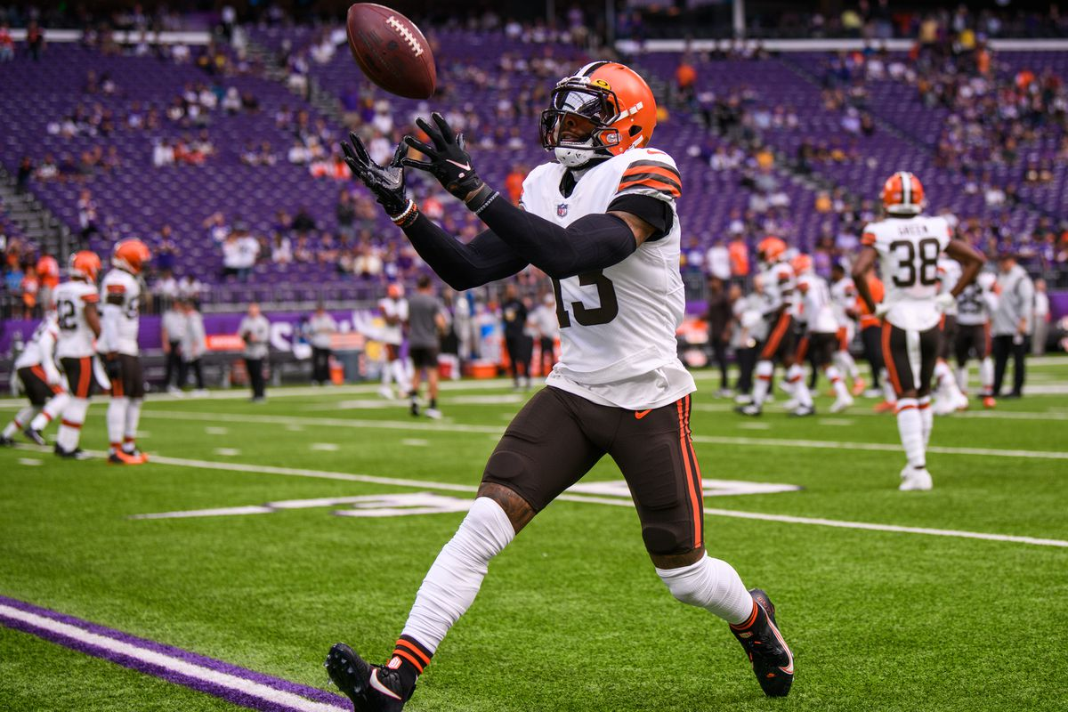 Odell Beckham Jr. #13 of the Cleveland Browns warms up before the game against the Minnesota Vikings at U.S. Bank Stadium on October 3, 2021 in Minneapolis, Minnesota.