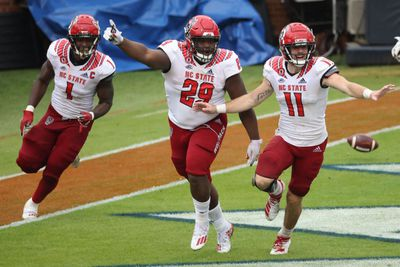 NCAA Football: North Carolina State at Virginia