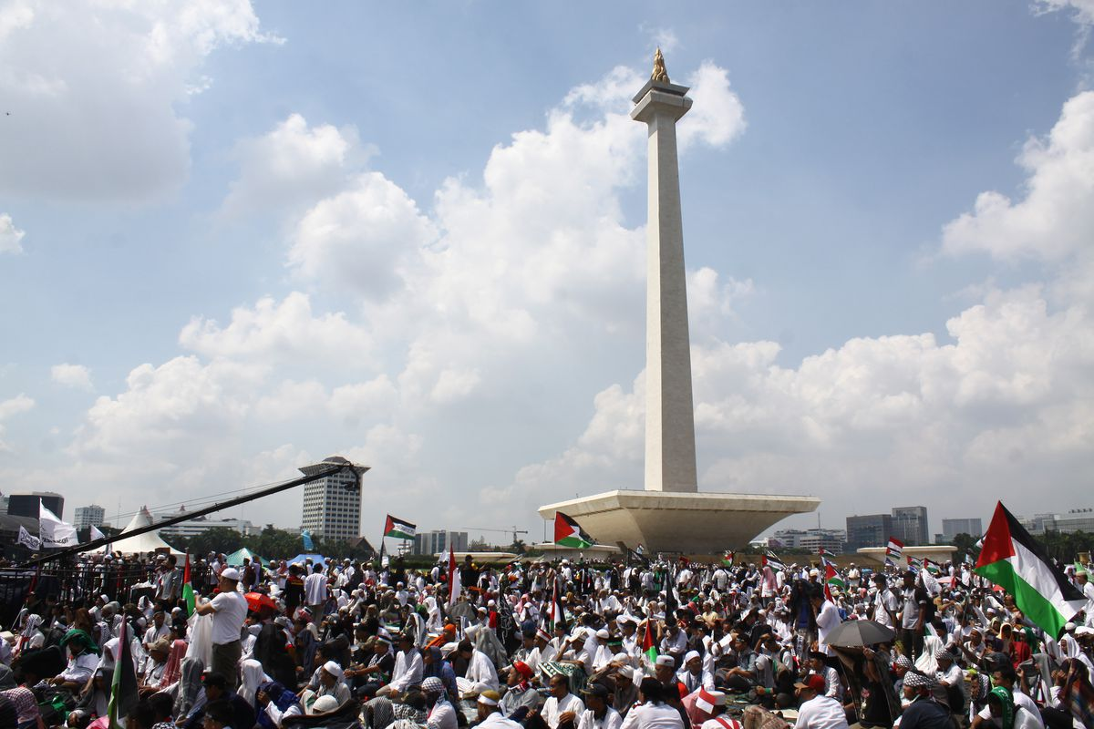 israelpalestine the twostate solution and the onestate  thousands of muslims gathered and held a rally in the national monument  yard near the us embassy jakarta friday may   they condemned the  removal