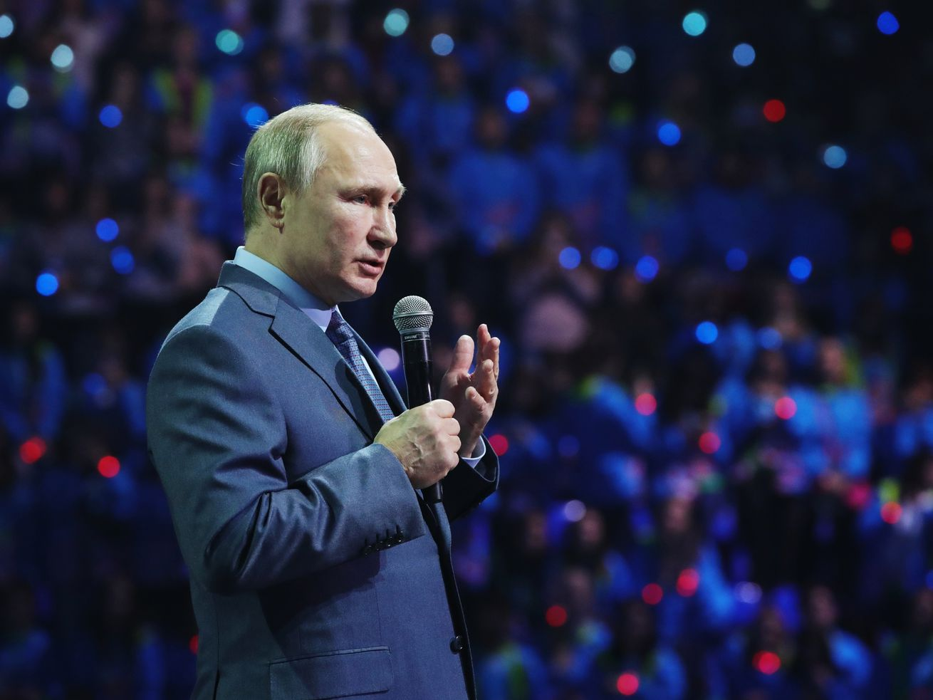 Putin offers U.S. to extend key nuclear pact right now