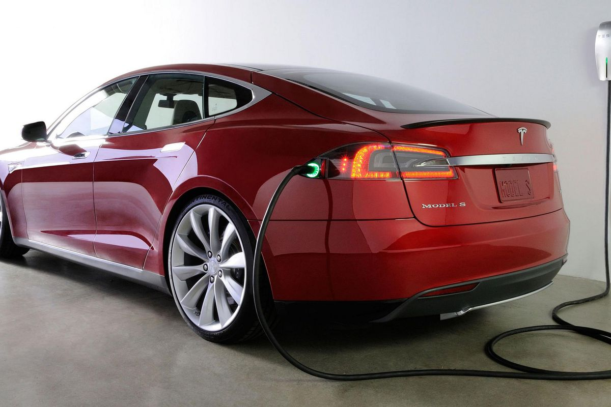 Tesla Sounds Ready To Pull The Plug On Promised Battery Swap Positions Of Switch And Were Swapped In Circuit Elon Musk Once Lauded As Ultimate Solution For Zero Down Time Electric Vehicle Charging Famously Demonstrating A Live Model S