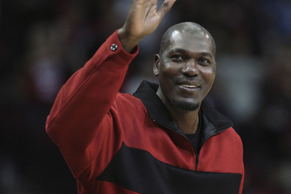 Hakeem Olajuwon looks like he could put up 20 points, 10 rebounds and 4 blocks today ... and he's 49 years old!
