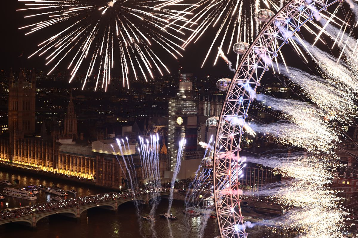 London Fireworks See In The New Year