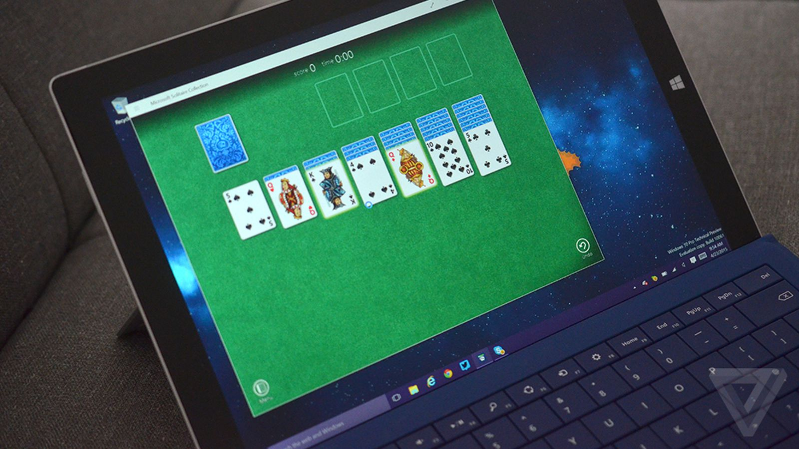 Microsoft is bringing Solitaire back to Windows 10 - The Verge