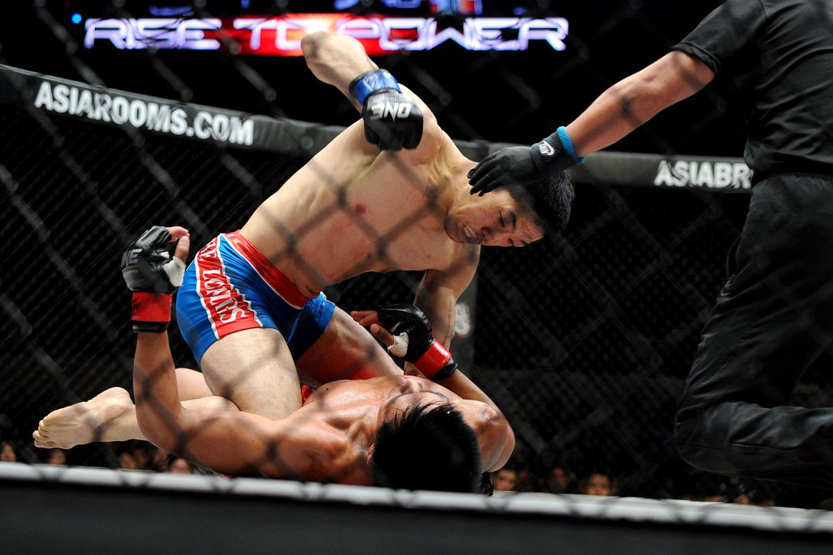 Koji Oishi, years removed from fighting Nick and Nate Diaz, shows his opponent at OneFC that he still has it.