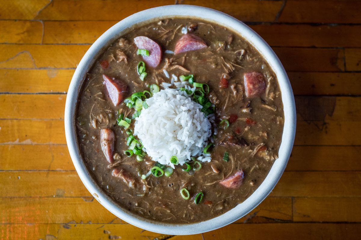 recipe: paul prudhomme chicken and sausage gumbo [35]