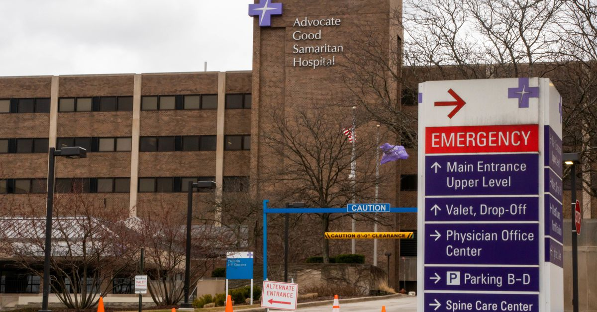 Advocate Aurora fires 440 workers who refuse to get COVID shots - Chicago Sun-Times