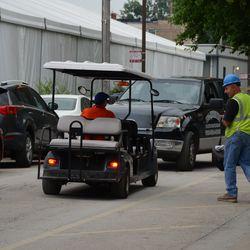 5:44 p.m. Traffic jam on Seminary -
