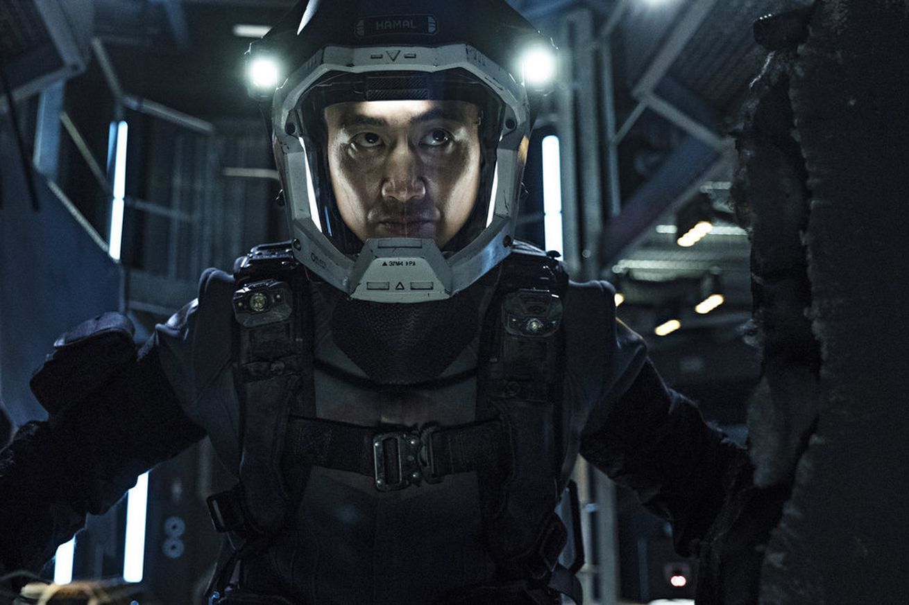 it s official amazon has saved the expanse