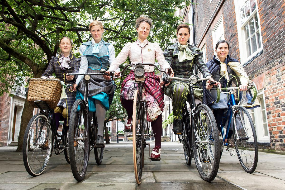 Bikes and Bloomers – Victorian Women Inventors and Their Extraordinary Cycle Wear, by Kat Jungnickel