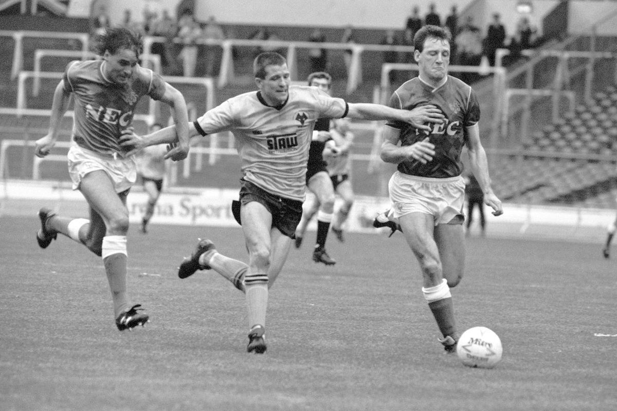 Soccer - Football League Centenary Tournament - Opening Round - Everton v Wolverhampton Wanderers - Wembley Stadium, London