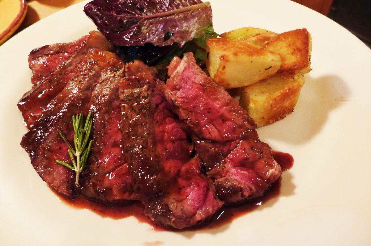 Steak Florentine at Fiaschetteria Pistoia