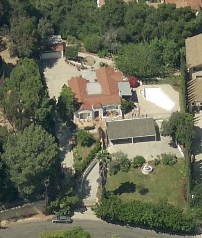 An aerial view of the LaBianca house in Los Angeles.