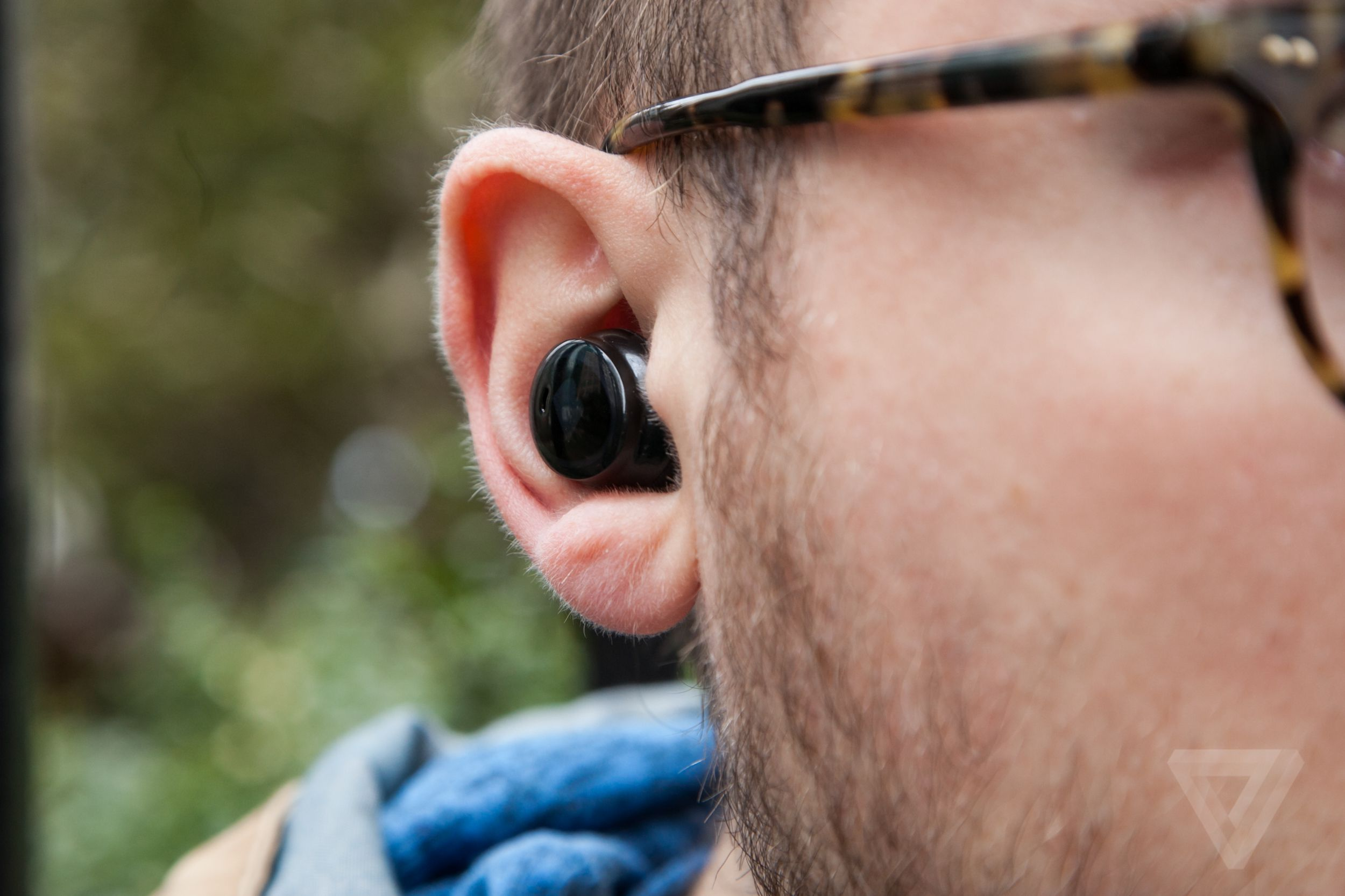 1771c3b5f44 The problem with wireless earbuds is that they're tiny and could be easy to  lose. No one wants to spend a few hundred dollars on a pair and wind up  losing ...