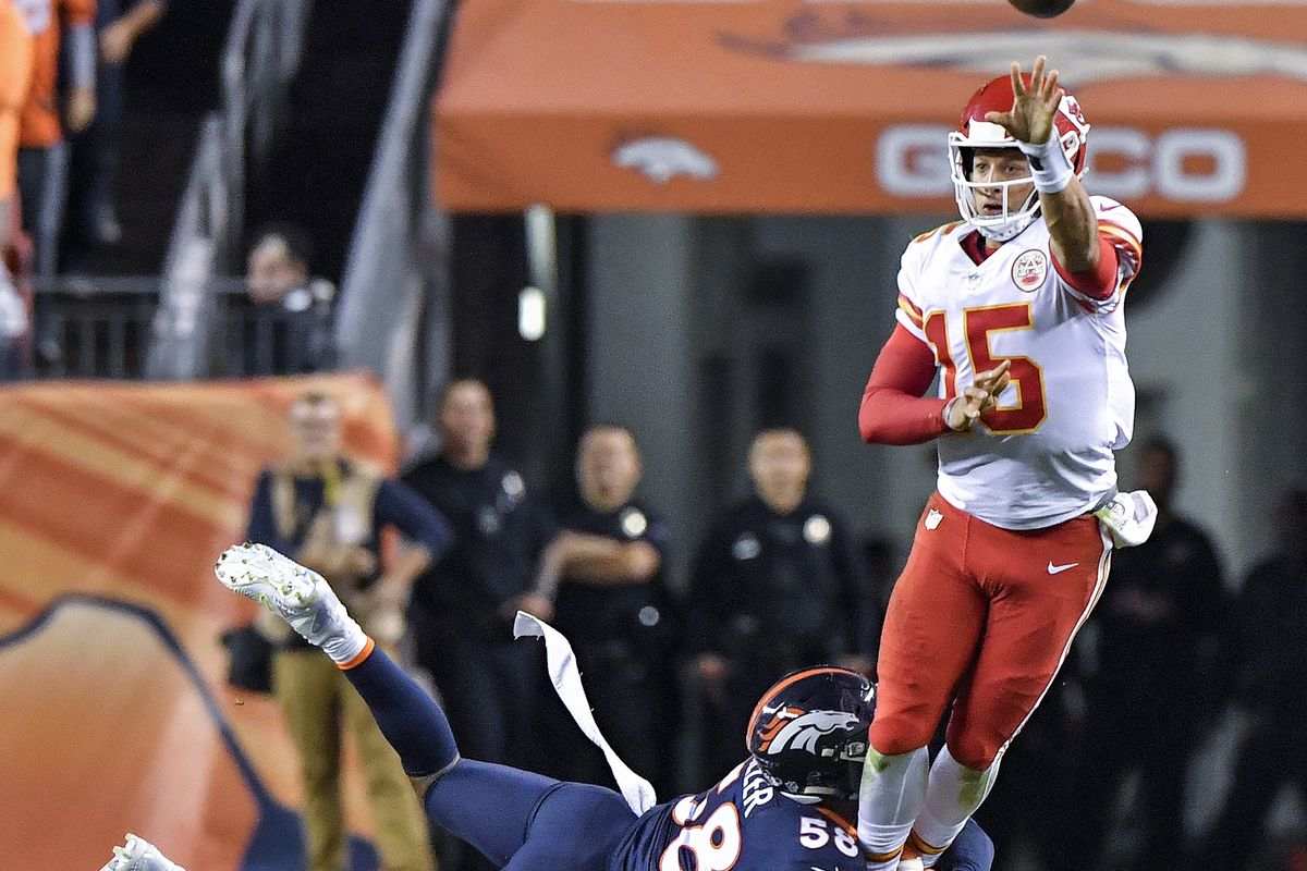Patrick Mahomesâ backyard playmaking style has become part of Chiefsâ offense