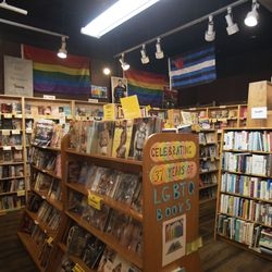 Inside the Unabridged Bookstore in the Boystown.    Colin Boyle/Sun-Times