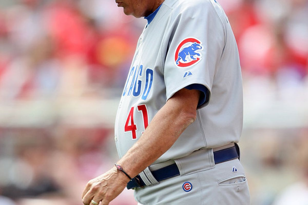 CINCINNATI - APRIL 11:  Lou Piniella of the Chicago Cubs walks to the mound during the game against the Cincinnati Reds on April 11, 2010 at Great American Ball Park in Cincinnati, Ohio.  The Reds won 3-1.(Photo by Andy Lyons/Getty Images)