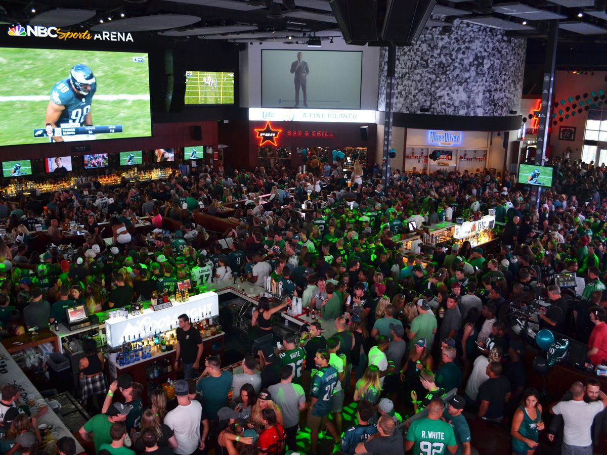 The Best Sports Bars in Philly to Watch NFL and College Football