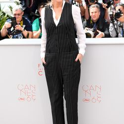 Julia Roberts in Givenchy at a photo op for 'Money Monster.'