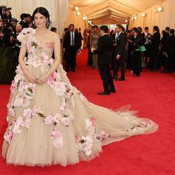 Tabitha Simmons in Dolce and Gabbana Alta Moda