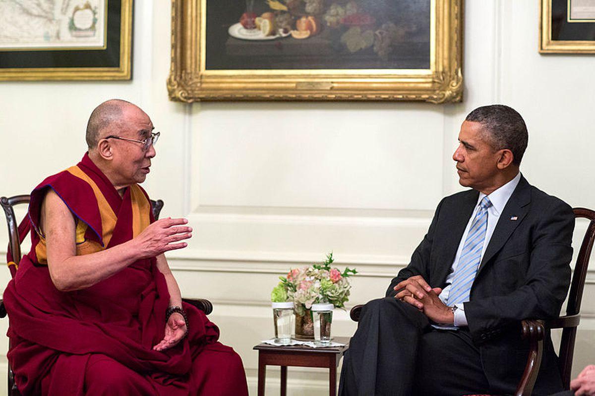 https://cdn.vox-cdn.com/thumbor/8fvZipqSXUY0E338dbVqNywrCfk=/0x0:800x533/1200x800/filters:focal(0x0:800x533)/cdn.vox-cdn.com/assets/4061309/Barack_Obama_and_the_Dalai_Lama_in_2014.jpg