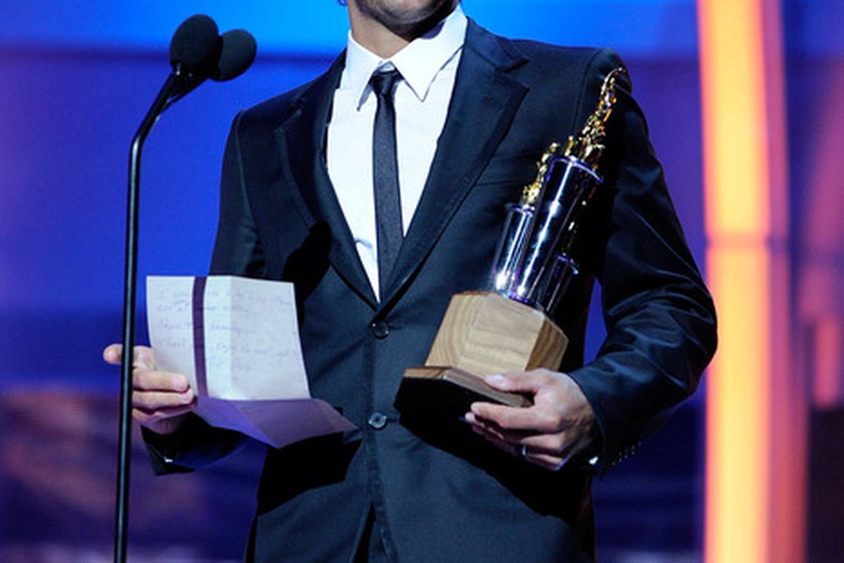 LAS VEGAS - JUNE 23:  Jose Theodore of the Washington Capitals accepts the Bill Masterton Memorial Trophy during the 2010 NHL Awards at the Palms Casino Resort on June 23, 2010 in Las Vegas, Nevada.  (Photo by Ethan Miller/Getty Images for NHLI)