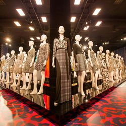 """Production designer Stefan Beckman explains that the mannequins' positioning was inspired by the <a href=""""http://en.wikipedia.org/wiki/Terracotta_Army""""_blank"""">Terracotta Army</a>."""