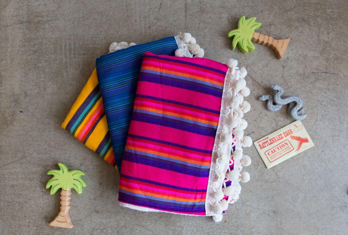 beach-baby-pompom-towel