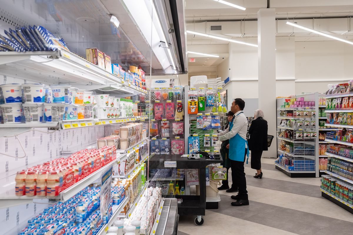 Mitswa grocery shelves.