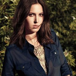 """<a href=http://www.toryburch.com/The-Button-Down%2C-Dressed-Up/buttondown,default,pd.html?start=9&cgid=newarrivals-lookbook"""">Fish necklace and Brigitte blouse</a>"""