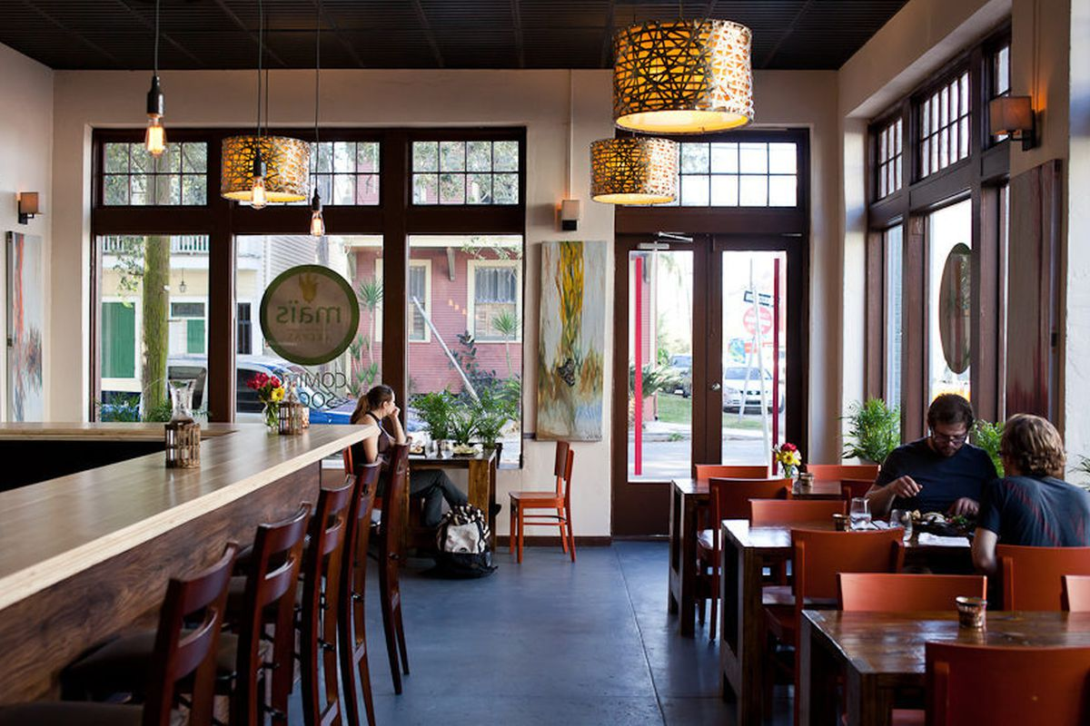 """<a href=""""http://nola.eater.com/archives/2012/12/03/a-look-at-mas-arepas-now-open-in-central-city.php"""">Maïs Arepas, New Orleans</a>"""