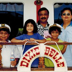Dania Khan with her parents and siblings in the early 2000's.