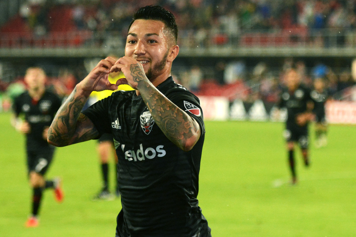 ae5e016c6 Luciano Acosta hat trick hauls D.C. United to dramatic 3-2 win over Orlando  City - Black And Red United
